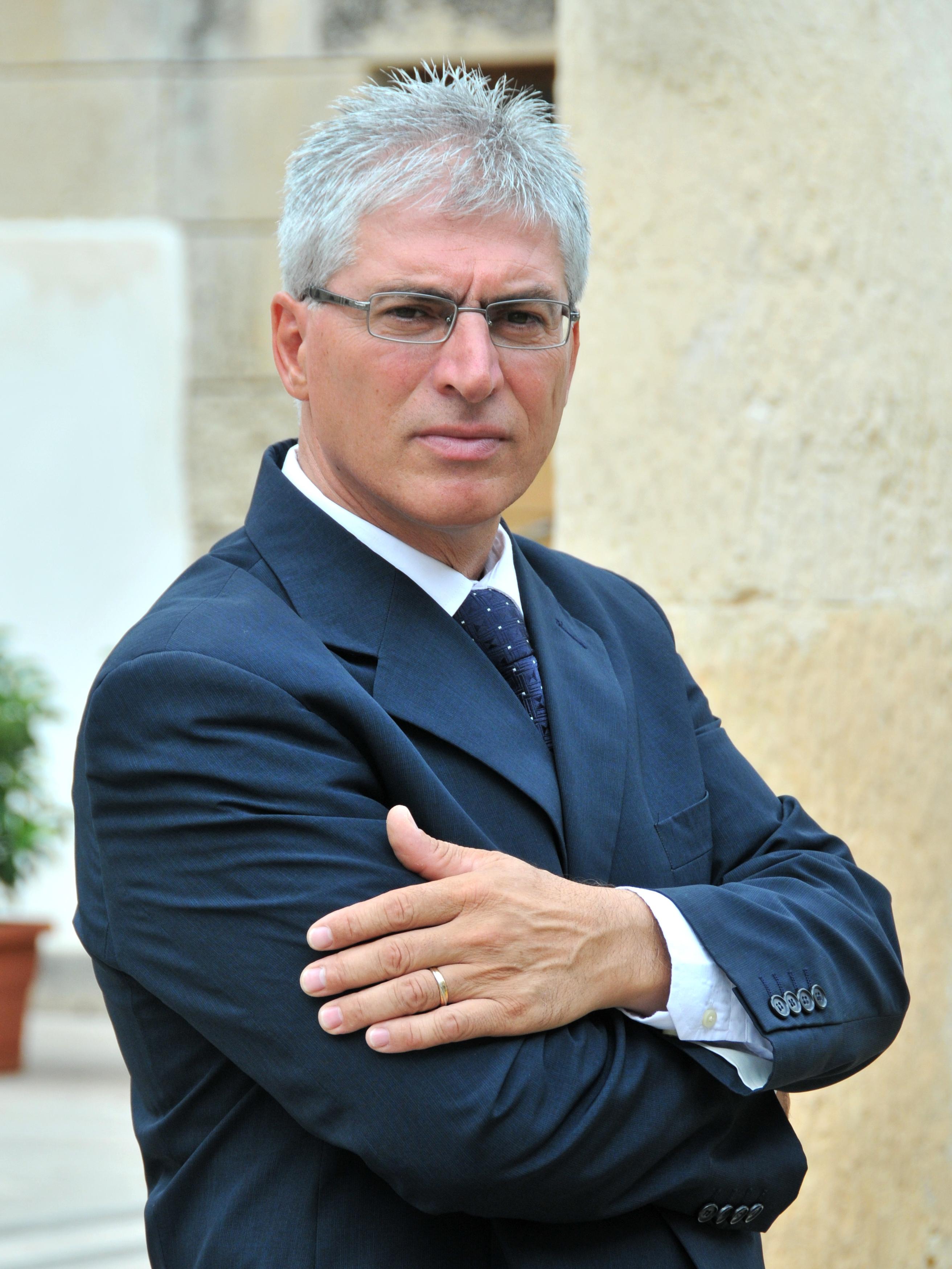"""""""  Ambito Sociale di Martano , impegno continuo nella Prevenzione e sostegno alla Famiglia """""""