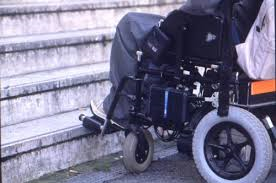 Ragazzina disabile aggredita in classe.