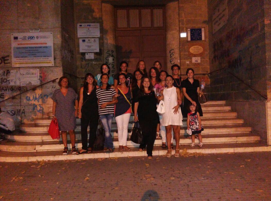 Lecce-Tutte davanti al liceo, dopo 23 anni, per rivivere emozioni del cuore mai dimenticate