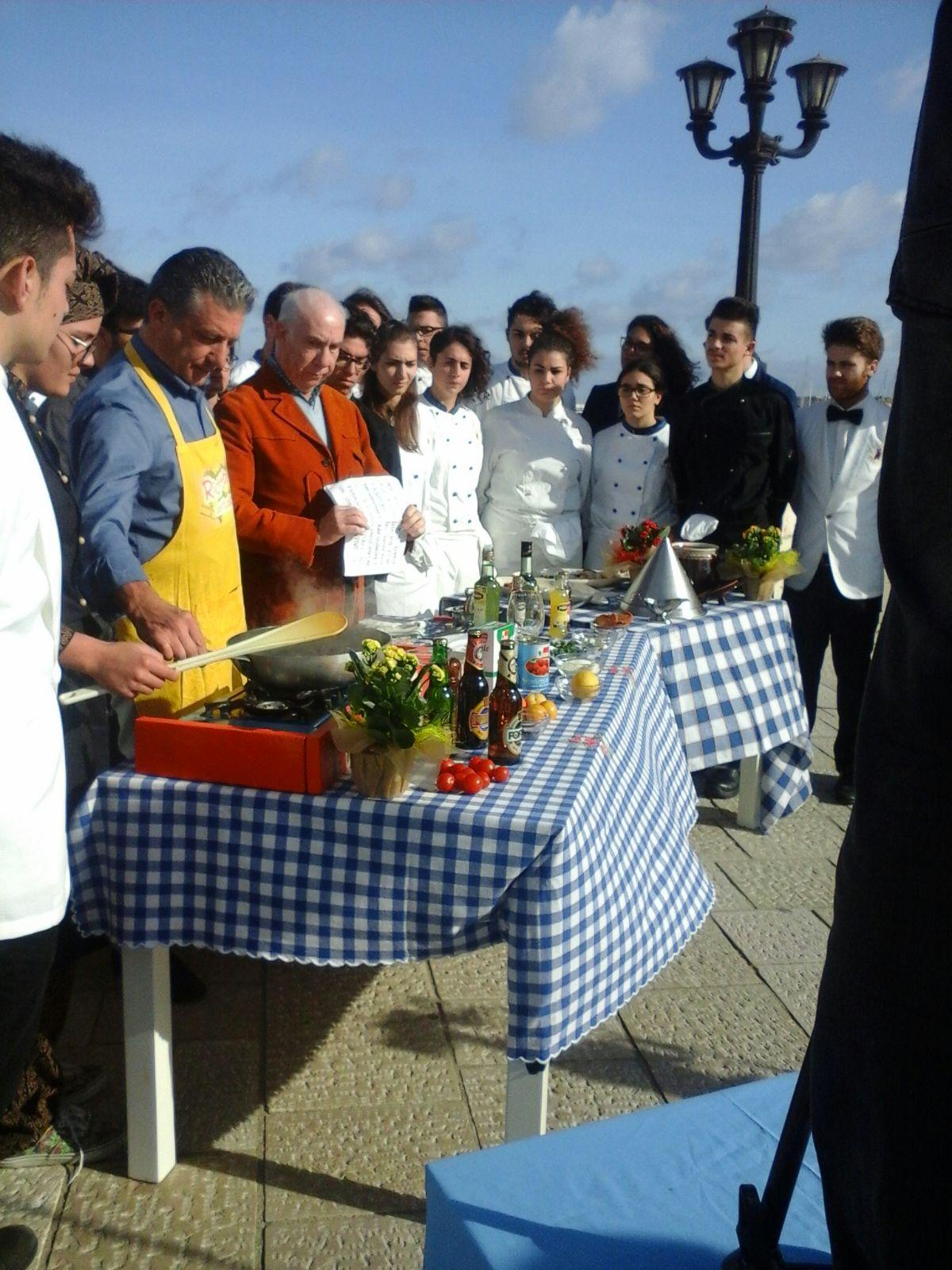 Davide Mengacci a Otranto , per scoprire l'enograstronomia salentina