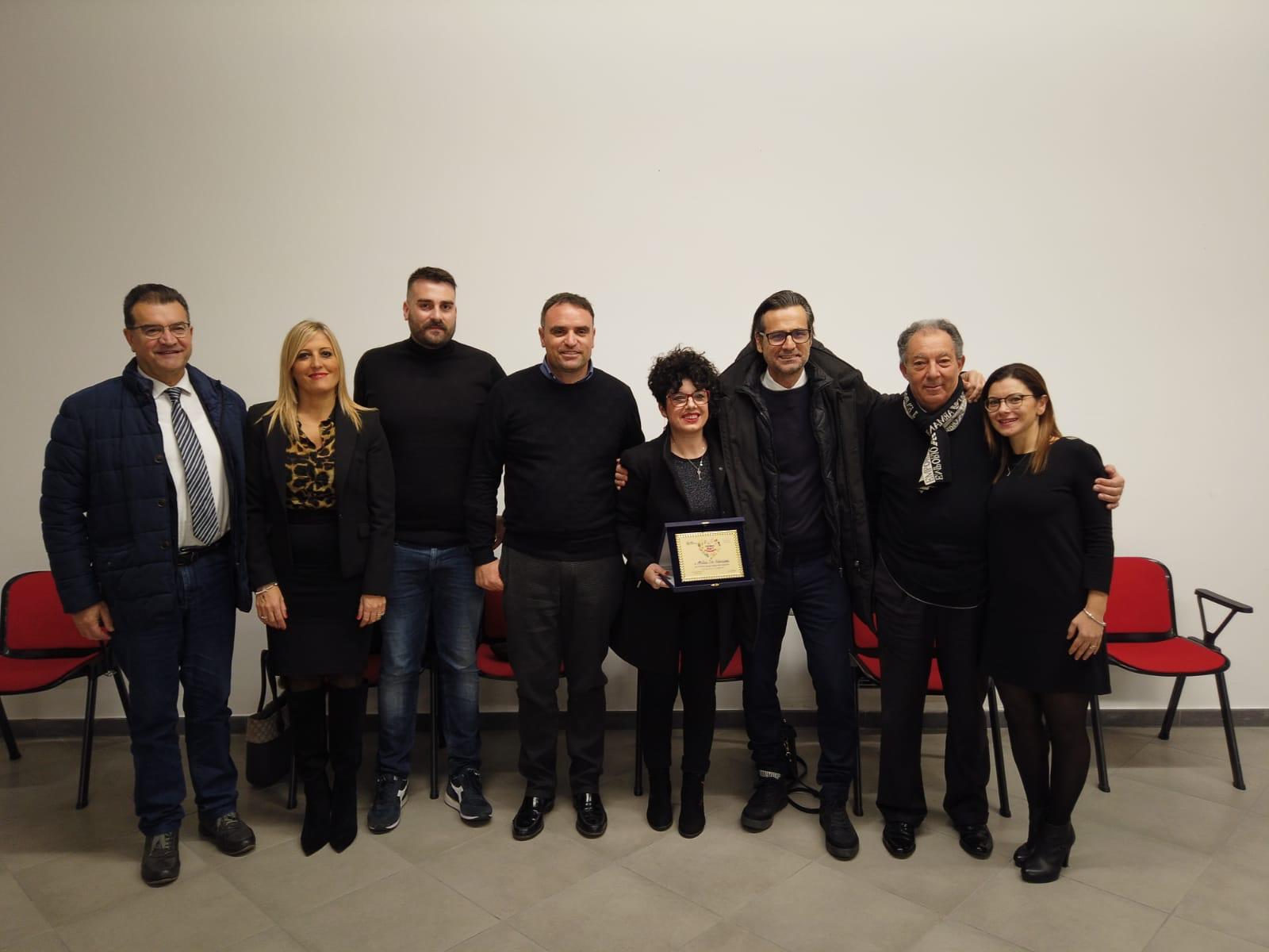 Maria De Giovanni premiata per la solidarietà