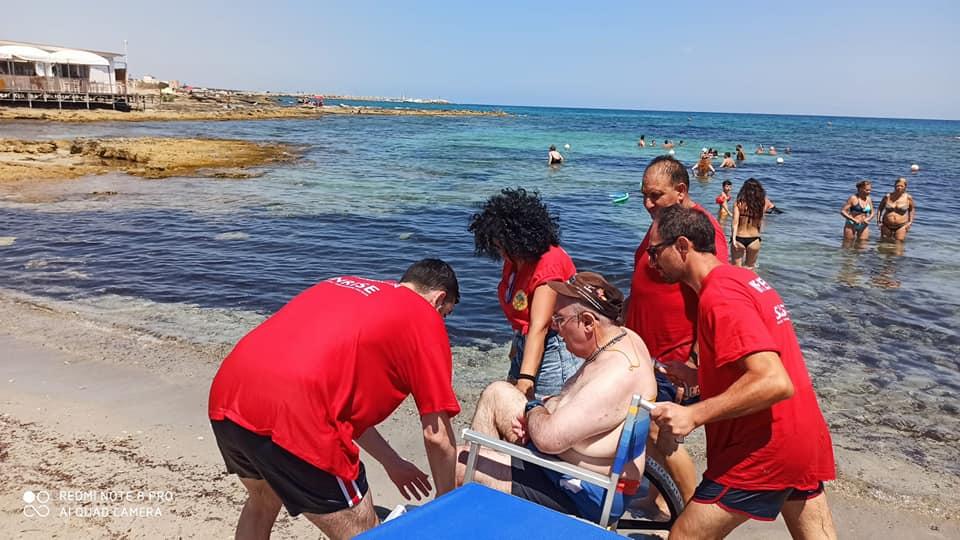 Sunrise Onlus realizza la fisioterapia a mare per le persone con sclerosi multipla